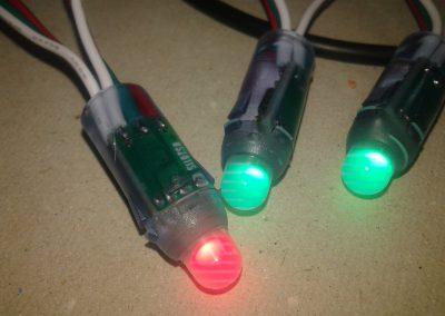 Detalle de los LEDs WS2811 funcionando.