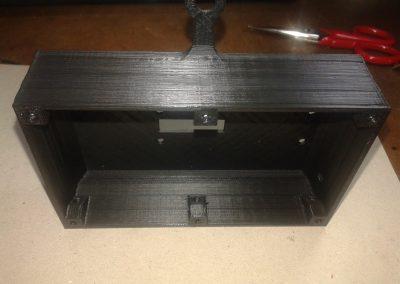 Vista caja base en posición vertical.