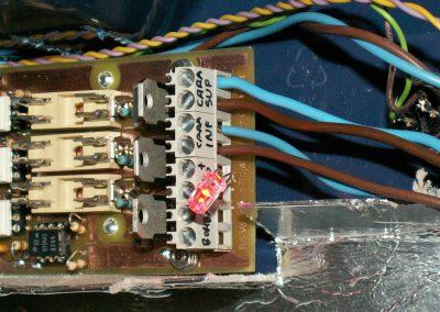 Insoladora conector salidas (cara sup, cara inf, Led rojo y bomba)