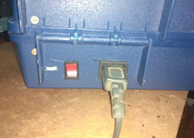 Insoladora detalle interruptor y conector IEC