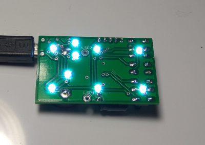 Conectamos alimentación y vemos que los LEDs se encienden.