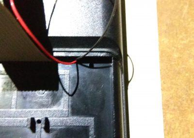 Detalle taladro para fijar teclado a ZX Spectrum original. 1 de 4.