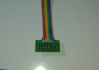 Sueldo los cables al PCB adaptador, poniendo especial cuidado en que el estaño y el cable solo ocupe la mitad superior del PAD, para que el resto sea lo que entre en los conectores de cinta.