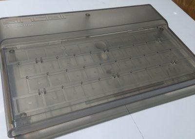 Detalle de la caja traslúcida usada. Se puede usar cualquier otra, original o impresa en 3D.