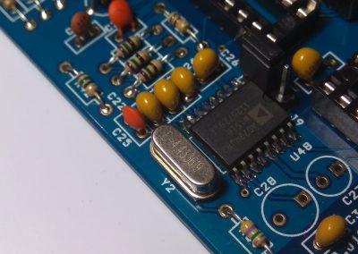 Cristal de cuarzo de bajo perfil de 4.433MHz para generador de señal de vídeo compuesto.
